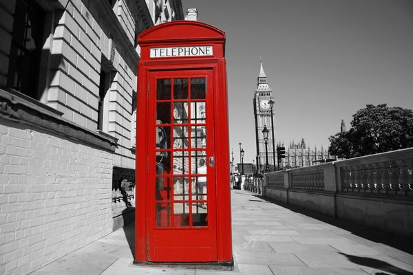 Телефонная будка в Лондоне (Telephone booth in London)