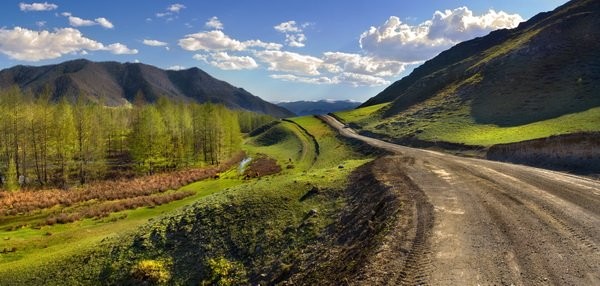 Дорога в горах (Road in the mountains)