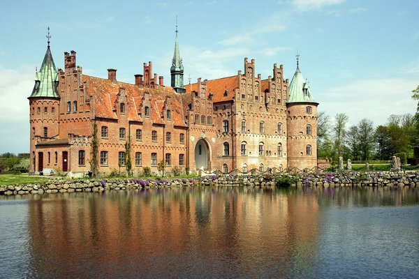 Замок в Дании (Castle in Denmark)